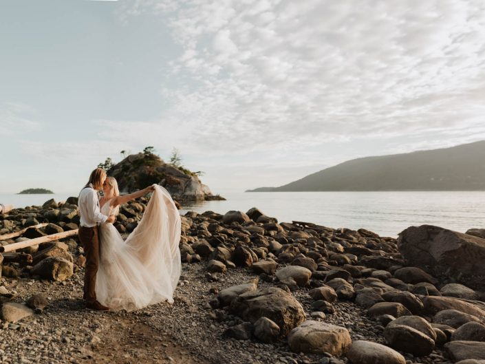 Kate-Paterson-Photography-Fraser-Valley-BC-West-Coast-Beach-Styled-Elopement